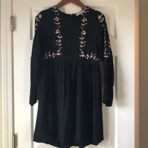 Babydoll dress with embroidery